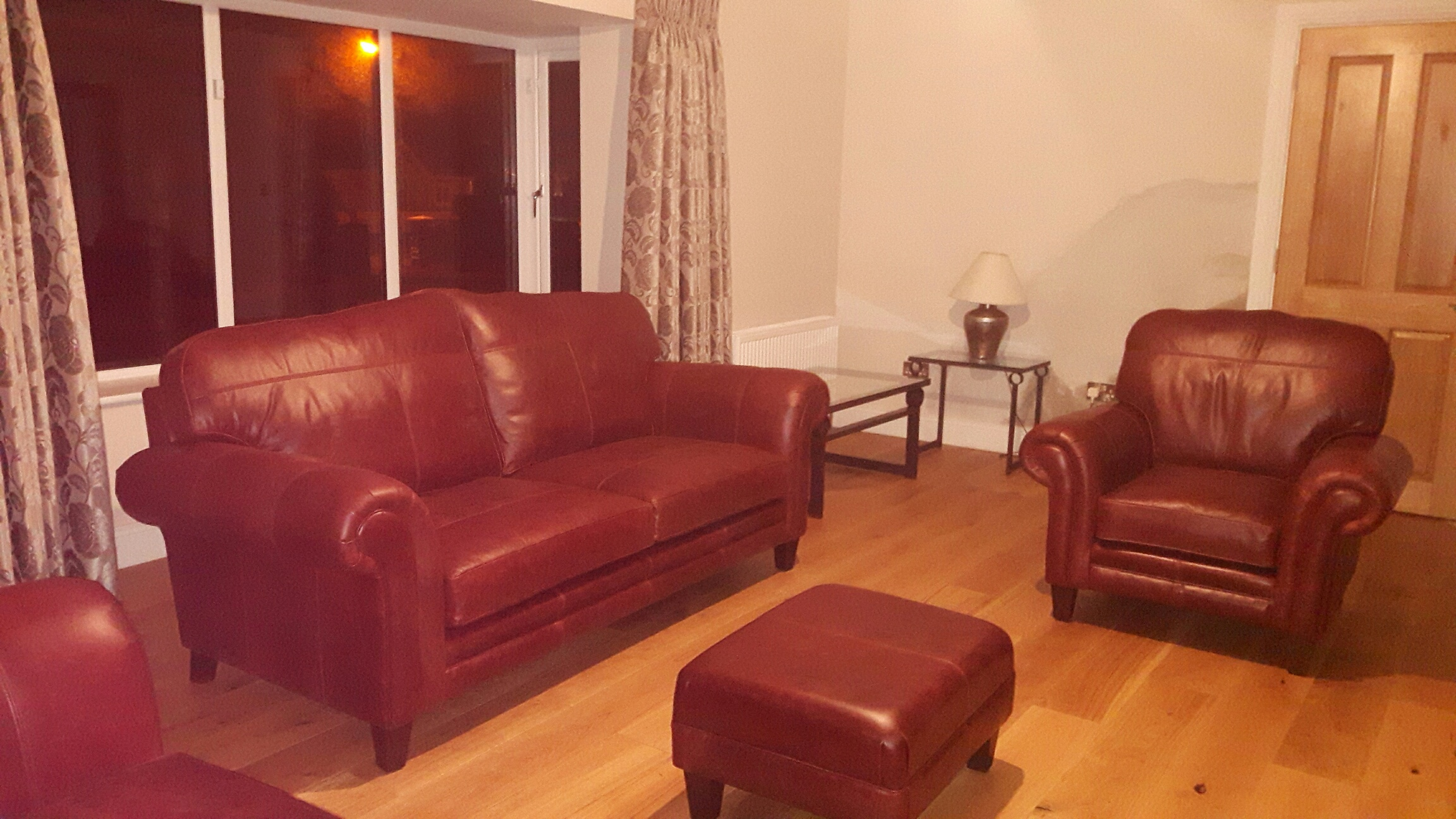 Leather Louis Group & Costa Footstool - Mustang Chestnut