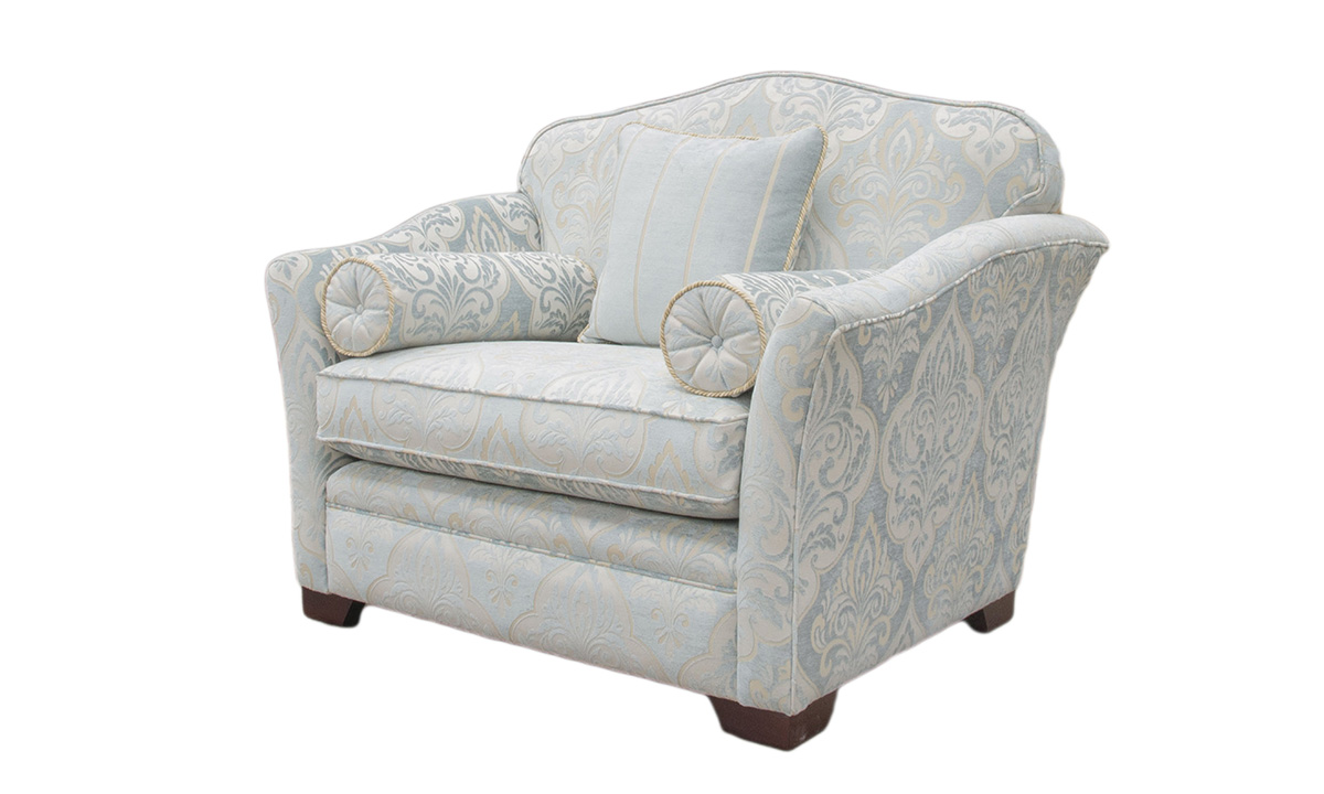 Othello Love Seat in Platinum Collection
