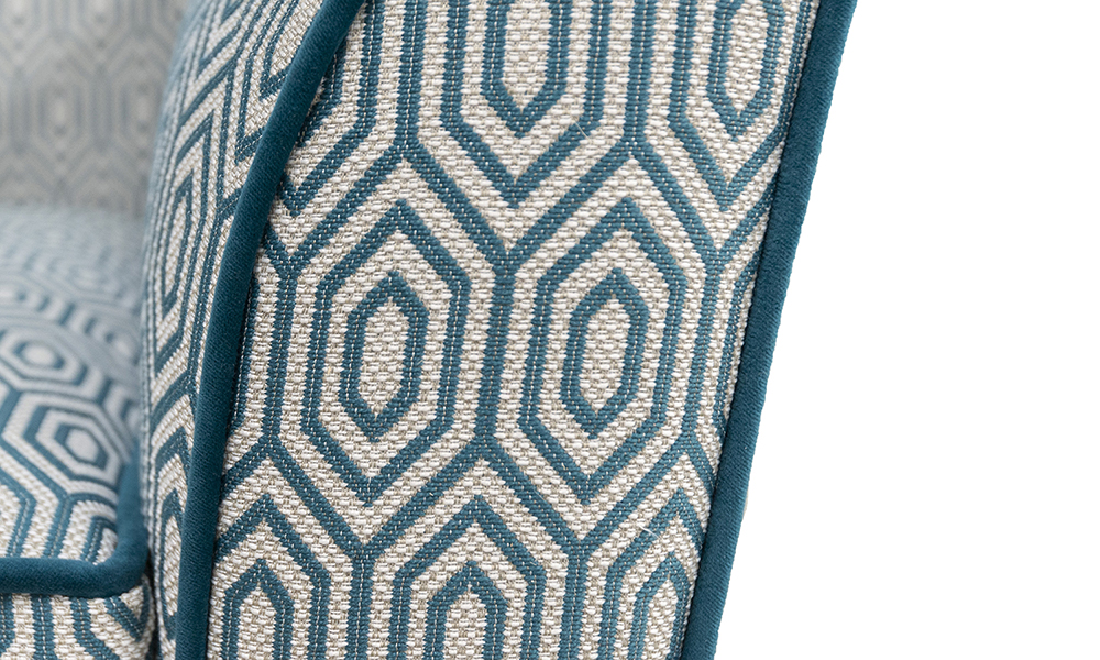 Dylan Arm in Cmarrone Gal 1930, Platinium Collection Fabric, Piped in  Luxor Mallard